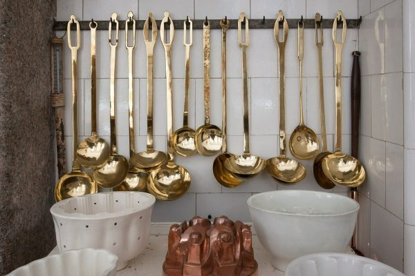 Gli oggetti indispensabili in cucina guida agli utensili fondamentali